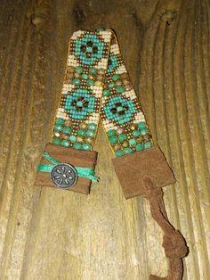 Your place to buy and sell all things handmade Loom Band Bracelets, Woven Bracelets, Handmade Bracelets, Bead Loom Patterns, Bracelet Patterns, Stitch Patterns, Chevron Friendship Bracelets, Macrame Bracelet Tutorial, Tear