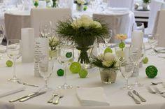 Hochzeitsdeko Frühling weiße Rosen