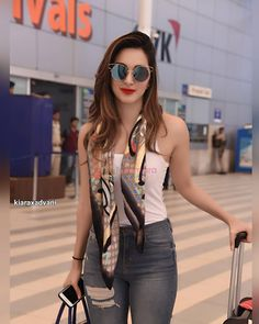 Smile Celebrity: All Beautiful of Bollywood Bollywood Outfits, Bollywood Actress Hot Photos, Actress Pics, Bollywood Girls, Beautiful Bollywood Actress, Bollywood Stars, Bollywood Celebrities, Beautiful Indian Actress, Bollywood Fashion