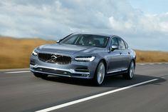 """Компания Volvo рассекретила флагманский седан S90. Дебютант создан на новой масштабируемой платформе Scalable Platform Architecture, использованной для модели XC90. Новинка получит тот же набор двигателей, что и кроссовер, включая гибридную силовую установку мощностью 394 л.с.. Гибридная модификация получит название T8 Twin Engine, она будет оснащаться 8-ступенчатым """"автоматом"""" и полным приводом."""