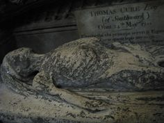 Tombstones in the form of rotting corpses and skeletons | Russian project. Lovely pictures. You can always translate it from Russian. Fascinating site!