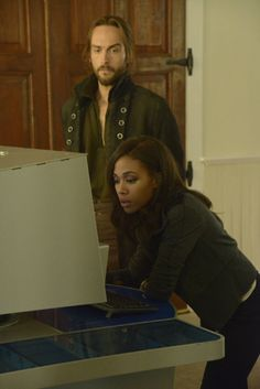 Still of Tom Mison and Nicole Beharie in Sleepy Hollow (2013)