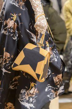 Nina Ricci at Paris Fashion Week Fall 2017 - Details Runway Photos