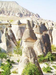 source : pinterest.com _  cappadocia turquie (collection image paysage terre voyage visite) landscape