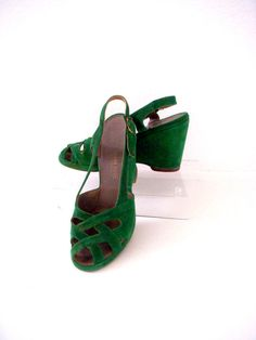 df6d493ea0e9 Vintage 40s Green Suede Shoes 40s 50s Green by OmAgainVintage
