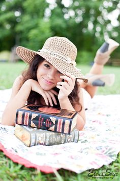 Photo by: Elena Shur - Vintage Photoshoot. Books on a picnic blanket #model #posing #photography #senior