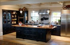 Traditional Black Kitchen Cabinets (Crown-Point.com, Kitchen-Design-Ideas.org)