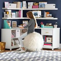 Interior Design Idea - 11 Essentials For Kids Homework Stations // Comfy Seating -- Whether it's a stool, an oversized ball, a swivel chair or extra padding on an ordinary desk chair, make sure your child is comfortable at their desk. Teen Desk, Girl Desk, Study Rooms, Study Space, Kids Study, Study Areas, Pottery Barn Kids, Kids Homework Station, Homework Area