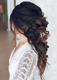 Stylish Wedding Hairstyles for Long Hair to Sport in 2020