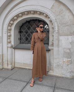 Mar 12 2020 - Over 30 minimalist outfit ideas for fall - Street Style - Over 30 minimalist outfit ideas for fall Muslim Fashion, Modest Fashion, Hijab Fashion, Fashion Outfits, African Fashion Dresses, Fashion Ideas, Look Fashion, Autumn Fashion, Outfit Elegantes