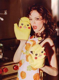 Rose McGowan × Ellen von Unwerth ¶ All I see is Pikachu. XD