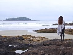 Amazing Beaches In Tofino, Vancouver Island Beach Tops, Beach Fun, The Places Youll Go, Great Places, 3 Days Trip, Travel Vlog, Travel Guide, Oregon Travel, Weekend Breaks