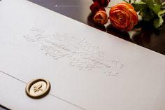Quando o assunto é convite de casamento, a simplicidade também é a grande medida da sofisticação. - Conviteria Santa Cruz