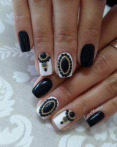 Black nail set
