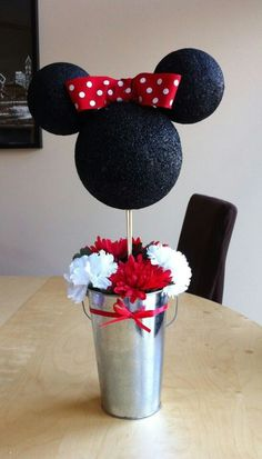 Classic Minnie Mouse centerpiece/ Disney birthday party centerpiece