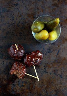 Superbowl Recipe:  Mom's Grape Jelly Meatballs | www.purplehousecafe.com