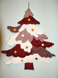 No pattern but easy enough to figure out. by lidia Beaded Christmas Decorations, Easy Christmas Ornaments, Simple Christmas, Handmade Christmas, Christmas Crafts, Quilted Ornaments, Christmas Christmas, Christmas Wreaths, Christmas Tree Advent Calendar