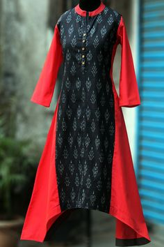 Buy Maati Crafts Black And Red Cotton Printed Asymmetrical Kurta online in India at best price.an elegant kurta with an asymmetrical hemline, front placket & wooden buttons. the collar has contarst Kurta Designs Women, Kurti Neck Designs, Dress Neck Designs, Salwar Designs, Kurti Designs Party Wear, Blouse Designs, Pakistani Fashion Casual, Indian Fashion, Women's Fashion