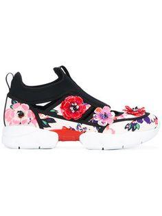 f6e0e626cc2e6c flower applique sneakers Black Leather Trainers