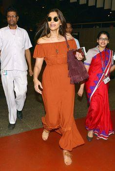 Sonam Kapoor spotted at Mumbai airport. #Bollywood #Fashion #Style #Beauty