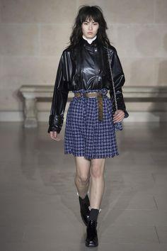 Défilé Louis Vuitton prêt-à-porter femme automne-hiver 2017-2018 PRÊT-À-PORTER