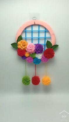 Diy Crafts For Home Decor, Diy Crafts For Gifts, Diy Arts And Crafts, Creative Crafts, Handmade Crafts, Paper Flowers Craft, Paper Crafts, Yarn Crafts, Pom Pom Crafts