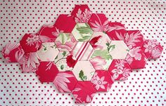 The Scrappy Appleyard: Hexagon Tutorial with PLASTIC TEMPLATES