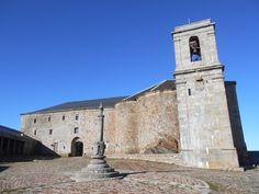 Rollo y santuario de Nuestra Señora de la Peña de Francia.