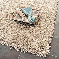 Hand-woven Bliss Taupe Shag Rug (7'6 x 9'6)