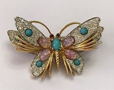 Vintage Pasadena Jewelry brooch pin goldtone metal butterfly with gemstones Butterfly Pin, Butterfly Jewelry, Personalized Jewelry, Handmade Jewelry, Vintage Rhinestone, Wire Wrapped Jewelry, Indian Jewelry, Brooch Pin, Jewelry Collection