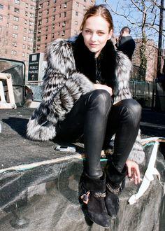Karmen Pedaru. Ladies Streetstyle. Women's Fashion. #offduty models off duty