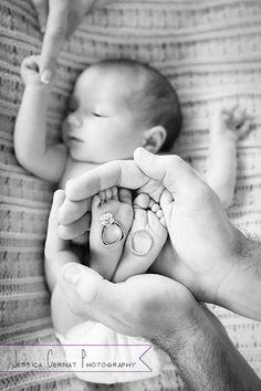 Fotos de anillos de compromiso con bebé.