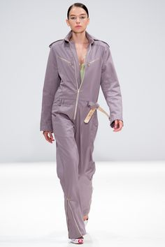 Explore the looks, models, and beauty from the Ong Oaj Pairam Spring/Summer 2015 Ready-To-Wear show in London on 13 September 2014