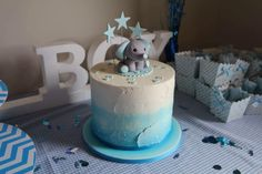 Baby shower cake | ombré cakes | baby animals cake topper | baby elephant cake topper