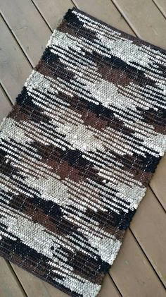 """Humble Shadows - """"X Pattern"""" // Sock Looper Rug Pattern // Instant Download // PDF Weaving Pattern // Four Color Pattern"""