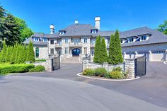 Square Foot Stone Mansion In Mississauga, Canada Dream House Interior, Luxury Homes Dream Houses, Luxury Life, Luxury Real Estate, Dream Homes, Ontario, Stone Mansion, Waterfall Features, Castle House