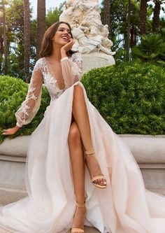 Awesome 85+ Stunning Long Sleeve Wedding Dresses Ideas https://bitecloth.com/2017/11/12/85-stunning-long-sleeve-wedding-dresses-ideas/