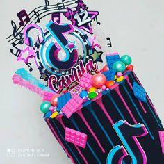 Crazy Birthday Cakes, Dance Party Birthday, Birthday Cake For Mom, Birthday Party For Teens, Happy Birthday Cake Topper, Handmade Cards For Friends, Girl Birthday Decorations, Family Birthdays, Girl Cakes