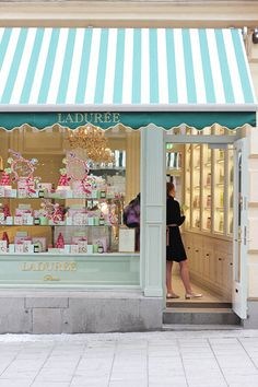 one cannot go to Laduree too often, n'est pas?