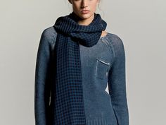 LOOM – Cashmere sweater & scarf