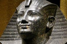 https://flic.kr/p/cFKZem | Historisches Museum der Pfalz Speyer | Leihgabe aus dem Museum Turin Sitzstatue Thutmosis I. Karnak Neues Reich, 18. Dyn. Diorit
