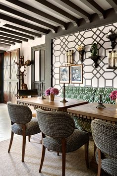News and Trends from Best Interior Designers Arround the World Top Interior Designers, Apartment Interior Design, Interior Design Living Room, Restauration Hardware, Dinning Table Design, Spanish Interior, Banquette Seating, Best Interior, Home Decor Styles