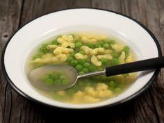 Supa+de+pui+cu+mazare+si+galuscute