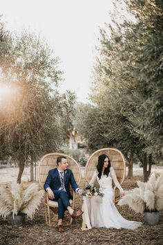 Wicker chairs + pampas grass are just two of the boho details at this cozy California wedding reception Loose Wedding Hair, Chic Wedding, Dream Wedding, Garden Wedding, Elegant Wedding, Summer Wedding, Wedding Cake, Wedding Rings, Wedding Locations California