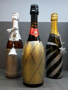 Tutto pronto per San Silvestro e il brindisi con bottiglie decorate  fai da te