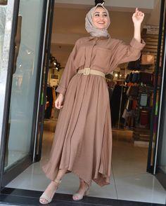 ✔ Dress Winter Outfit E… – Hijab Fashion 2020 Modern Hijab Fashion, Hijab Fashion Inspiration, Muslim Fashion, Modest Fashion, Look Fashion, Fashion Outfits, Fashion Trends, Hijab Style Dress, Casual Hijab Outfit