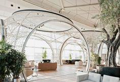 """E' del 2011 il progetto Turkish Airlines CIP Lounge: una hall """"capace di creare un'esperienza della Turchia contemporanea"""". Il risultato è una serie di """"nicchie di riposo e sosta"""", per ridare la sensazione di accoglienza che spesso nei grandi aeroporti risulta sacrificata in nome della funzionalità"""