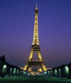 Paris, the city that never sleeps