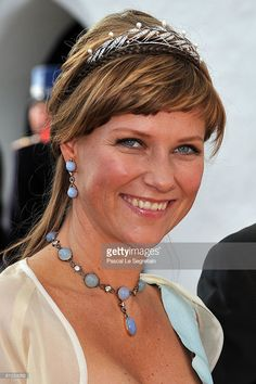 Princess Martha Louise departs after she attended the wedding between Prince Joachim of Denmark and Princess Marie of Denmark, Countess of Monpezat, at the Mogeltonder church on May 2008 in Mogeltonder, Denmark. (Photo by Pascal Le Segretain/Getty Images) Royal Crowns, Royal Tiaras, Tiaras And Crowns, Princess Marie Of Denmark, Princess Anne, Norwegian Royalty, Tiara Hairstyles, Diamond Tiara, Royal Jewelry