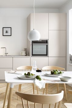 Not everyone likes classic white in kitchens. An alternative is Magn . Ikea Hack Kitchen, Ikea Kitchen Design, Kitchen Stories, Entryway Furniture, Kitchen Lighting, Home And Living, Home Kitchens, Kitchen Remodel, Kitchen Cabinets